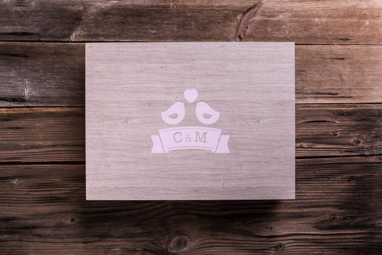 fotografo-matrimonio-udine-album-fotolibro-legno