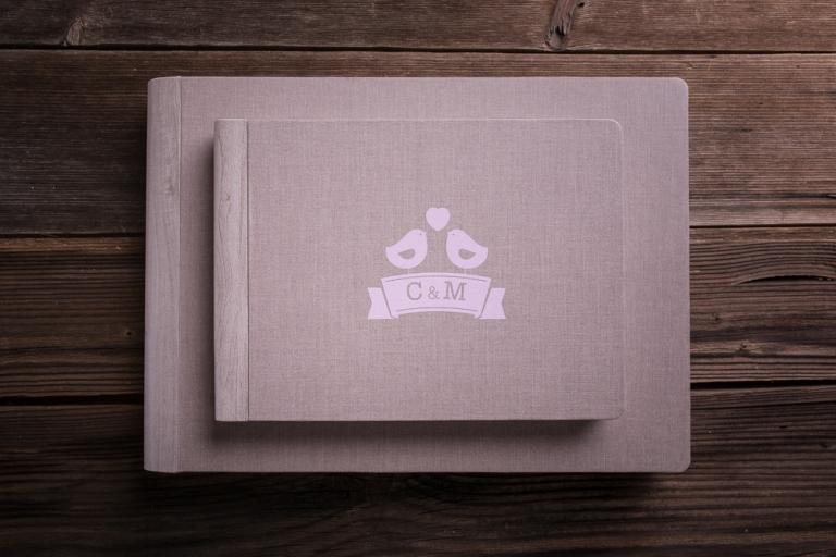 fotografo-matrimonio-udine-album-persoalizzati-fotolibro-legno-tessuto-libri-genitori-albumini